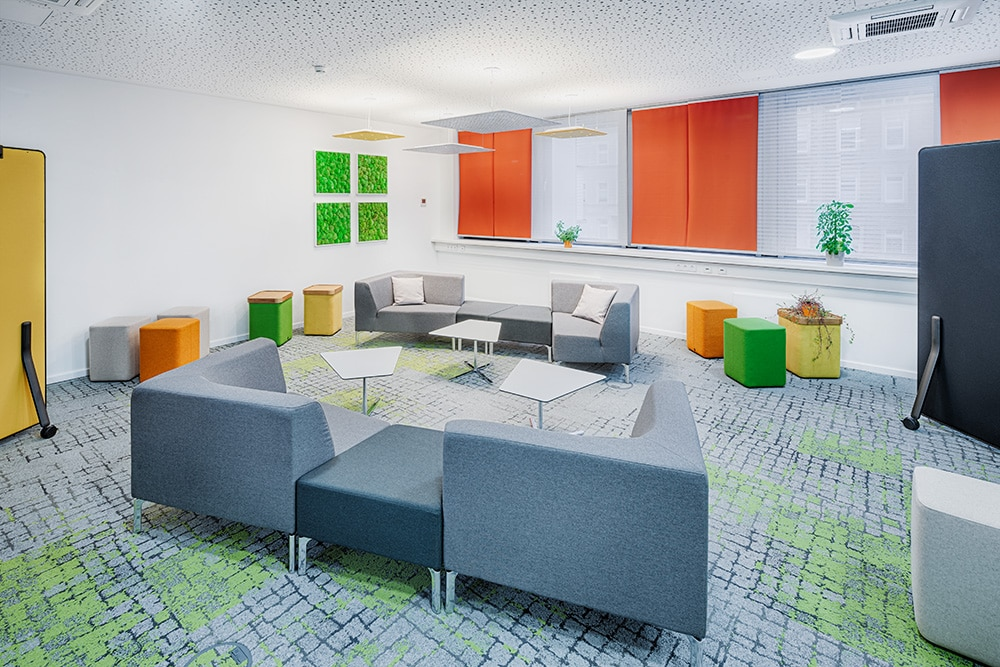 Büro Sessel Meetingraum
