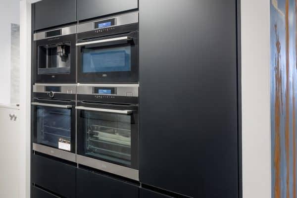Küche mit Backöfen