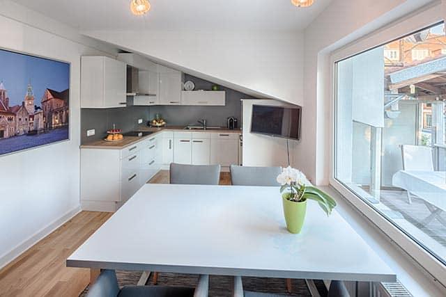Küchentreff Einbauküche Esstisch